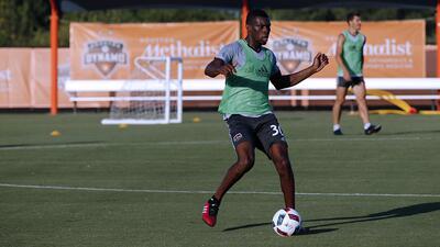 Houston Dynamo anuncia las contrataciones del costarricense Keyner Brown y el hondureño José Escalante