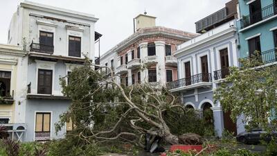 Fachadas de edificios en el Viejo San Juan tras el paso del hurac&aacute...