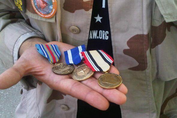 Como parte de la protesta Villatoro regresará sus tres medallas.