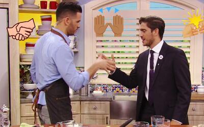 Mira cómo Rodolfo y el Chef Jesús celebran el Día Nacional del Apretón d...