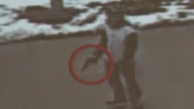 Video muestra el momento en que policías disparan a un niño de 12 años