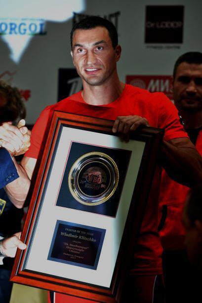 Klistchko recibió una placa como mejor boxeador delpeso pesado.