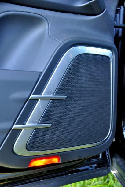 El equipo de sonido de la Porsche Cayenne Turbo es digno de una sala de...