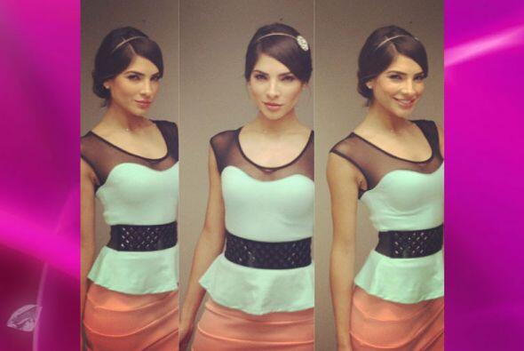 A esta belleza mexicana le encantan los cinturones. Pon atención a las s...