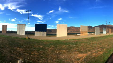 Prototipos del muro fronterizo vistos desde la frontera de Tijuana.