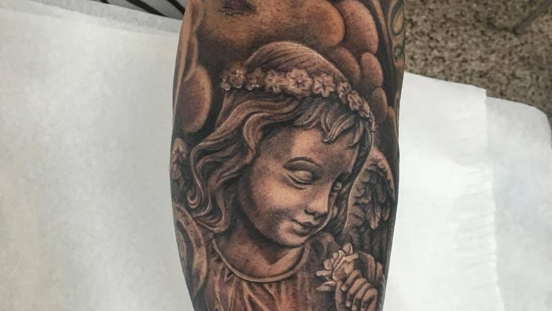 El cantante se tatuó a su hija Victoria en el brazo el día miércoles.