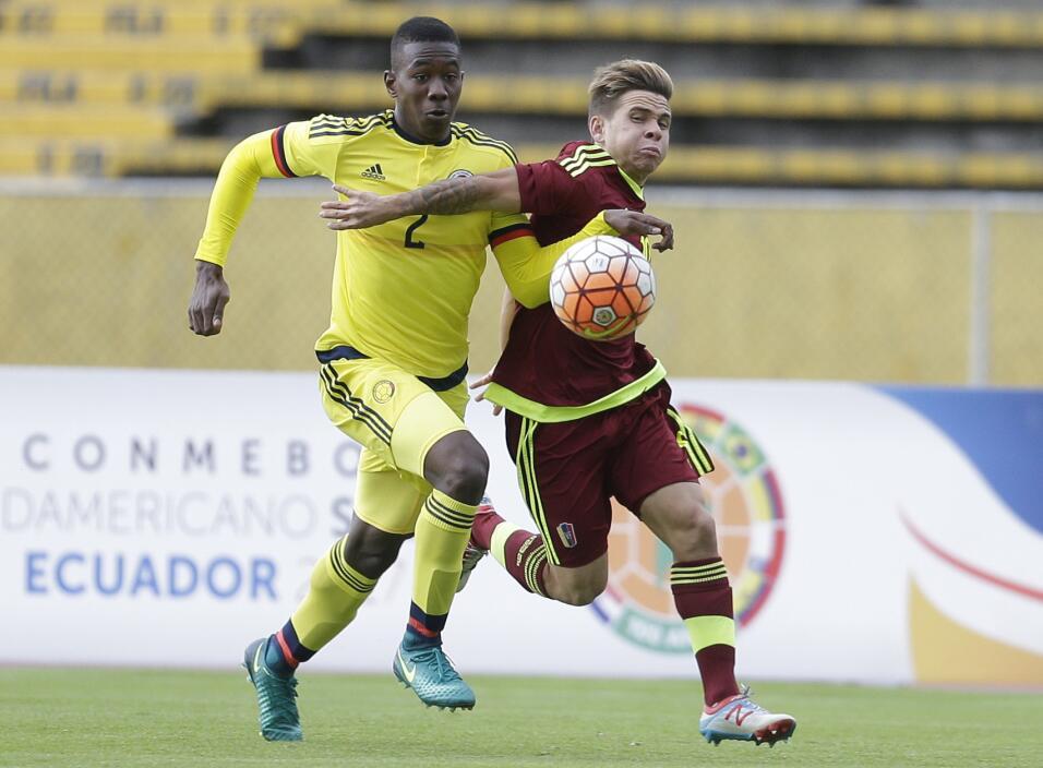Un defensa de Colombia será nuevo refuerzo del Barcelona AP_170308013391...