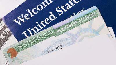 ¿Cómo se puede corregir un error en la solicitud de la green card?