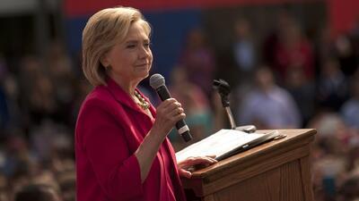 Hillary se disculpa por usar su correo personal