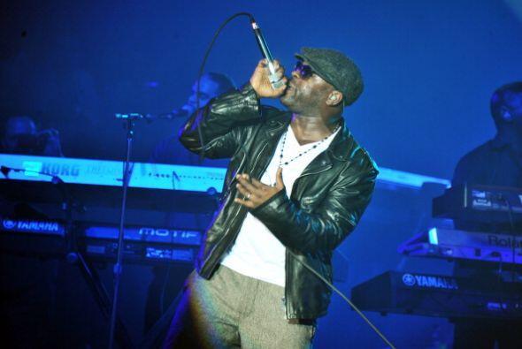 El rappero Black Thought encabezó a la banda.