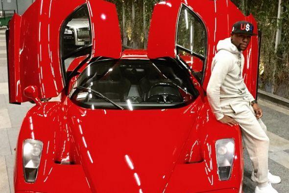 Ferrari Enzo    Motor V12 6.0 Lts.  Potencia 651 HP  Aceleración (0-6...