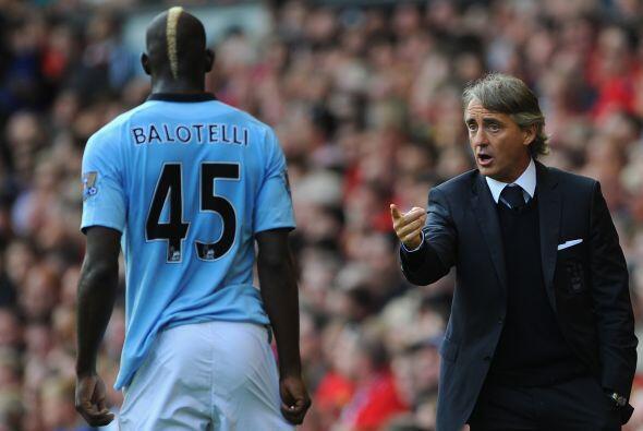 Mario Balotelli, titular ante la ausencia de Sergio Agüero, recib&i...