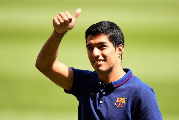 Tras la mordida que Suárez dio a Chiellini en el Mundial el jugador fue...
