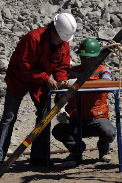 19 de septiembre: Una perforadora petrolera comienza a excavar un tercer...