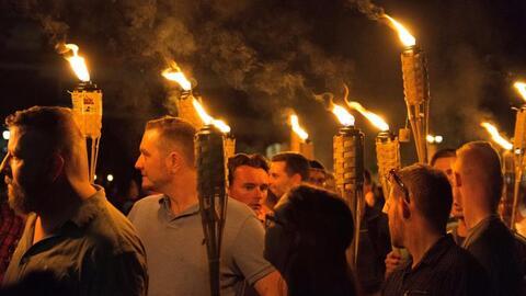 En la imagen un grupo de supremacistas durante la marcha que celebraron...