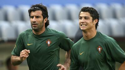 Figo ve un Real Madrid histórico aún sin Cristiano entre sus filas