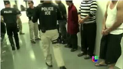 Las famosas deportaciones voluntarias del gobierno son en realidad oblig...