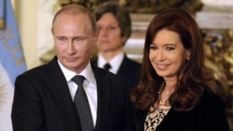Vladimir Putin fue recibido por Cristina Fernández.