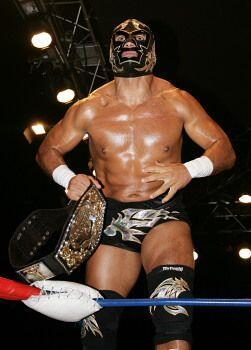 4.  Dr. Wagner Jr. es uno de los luchadores favoritos de la afición grac...
