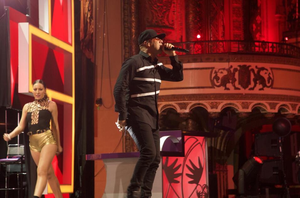 Wisin cantó 'Corazón Acelerao' en el escenario del TeletónUSA.