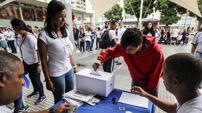 Filas desde la madrugada en Caracas
