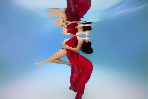Opris dijo al sitio The Huffington Post que estar en el agua es una segu...