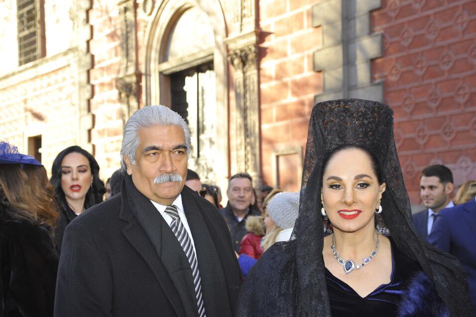 La actriz Susana Dosamantes, madre del novio, fue la madrina de la boda.