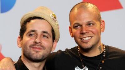 Calle 13 se uniò al programa Latin GRAMMY in the Schools para platicar c...