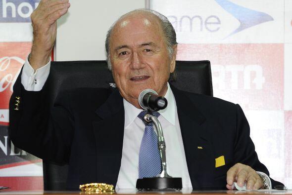 El suizo Joseph Blatter, el mandamás de la FIFA, es experto en Economía...