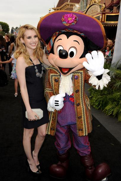 La sobrina de Julia Roberts, Emma Roberts, también fue sorprendida visit...
