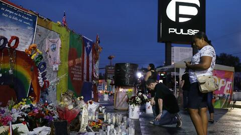 Ceremonia privada en el club Pulse en honor a las víctimas de la masacre
