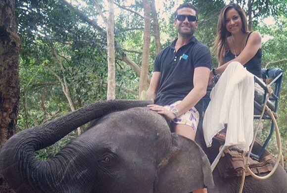 """#tbt #throwbackthursday #elephant riding in #thailand"", compartió Satch..."
