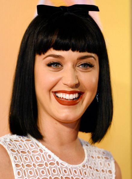 Si bien, Katy Perry actualmente dejó la locura por un rato y porta una m...