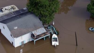 Texas continúa con fuertes lluvias