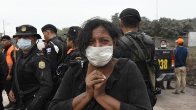 El drama de las familias guatemaltecas para recuperar los cadáveres de las víctimas del volcán de Fuego