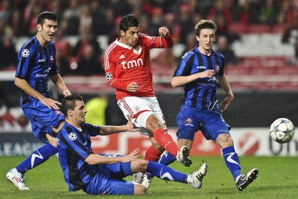 Y por último, el Benfica aprovechó un gol de Oscar Cardozo para superar...