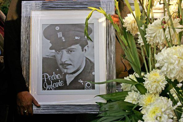 José Pedro Infante Cruz nació el 18 de noviembre de 1917 e...