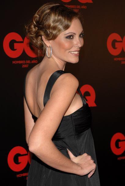 Raquel Rodríguez es una bella periodista de la televisión española que f...