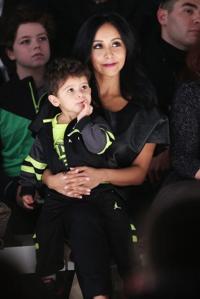 Nicole 'Snooki' Polizzi y su pequeño Lorezo LaValle estuvieron en primer...