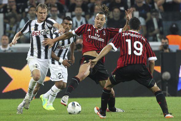 El duelo fue más que parejo, al principio los equipos estudiaban al rival.