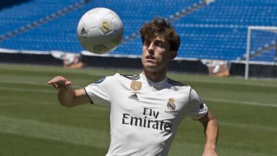 ¿Quién es Álvaro Odriozola, el nuevo refuerzo que presentó Real Madrid para la temporada?