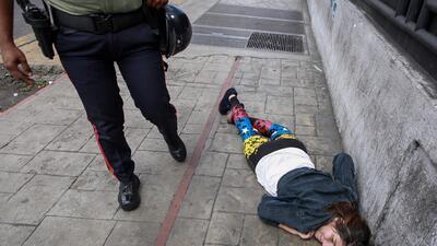 En fotos: El ataque armado donde murió una persona durante el plebiscito en Venezuela