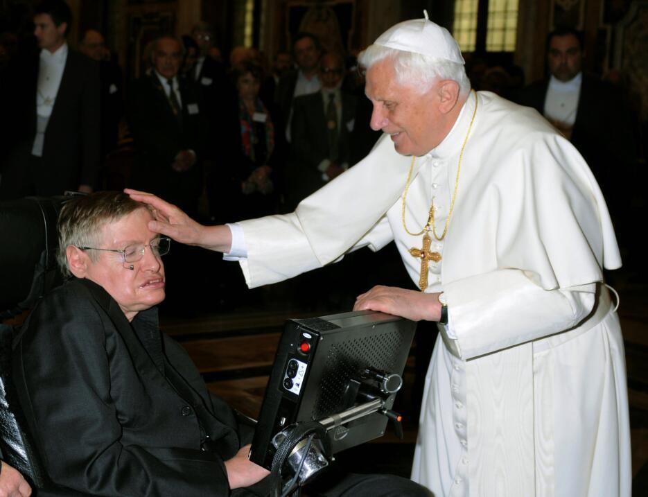 En 2008. junto en entonces papa Benedicto XVI, en una entrevista en Ciud...
