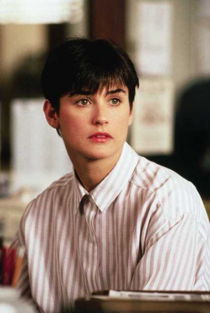 7. Demi Moore en Ghost demostró que el pelo corto en una mujer puede ser...