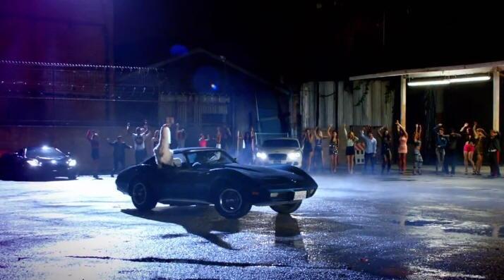 En el videoclip de su éxito 'La noche de los dos', grabado junto...