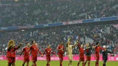 Los jugadores del Bayern celebran al completar la goleada ante Weder Bre...