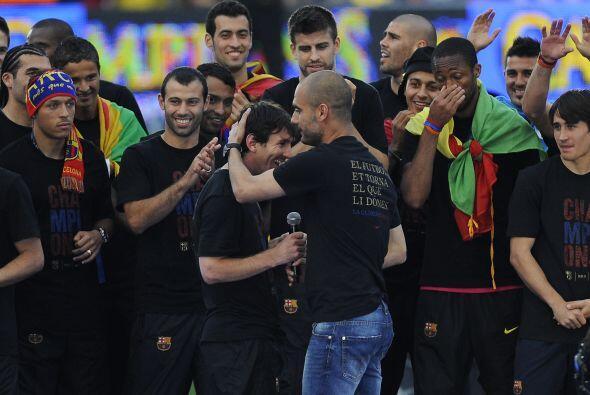 Pep pidió que Messi hablarar ante la gente, pues en el festejo de la Lig...