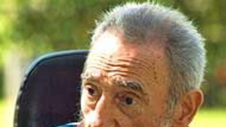 La falta de los habituales artículos de Fidel Castro despertaron rumores...