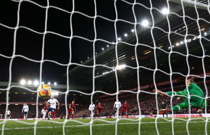 El Liverpool es tercero, con 50 puntos, y el Tottenham quinto, con 48.