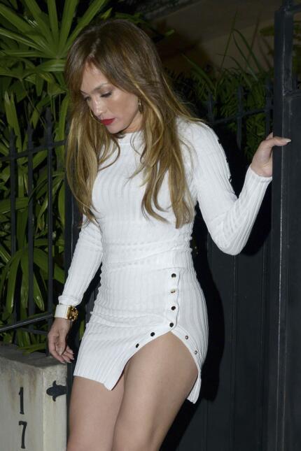 Clarissa Molina VS Jennifer López: ¿a quién le queda mejor este vestido?...